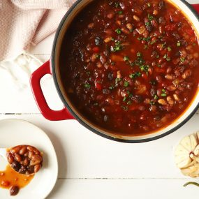 Speed Scratch Maple Chipotle Baked Beans